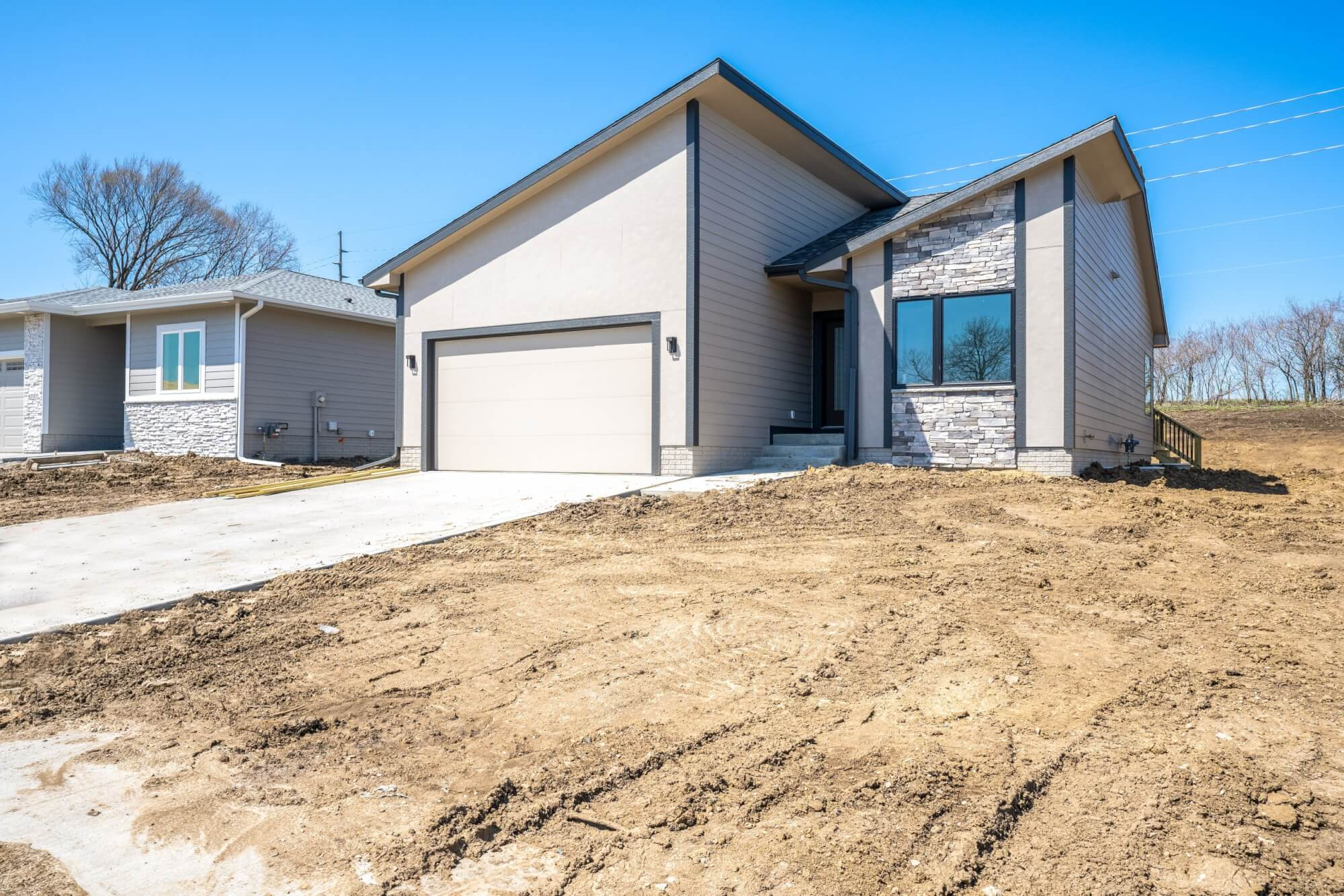 A picture of a geometric home built by Kruse Development in Central Iowa.